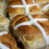 Paasbroodjes uit de oven